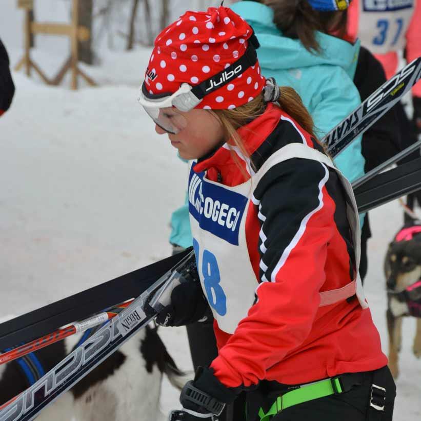 Joelle départ en ski | Vita DogTeam | Vita Nutrition Animale - www.vitanutrition.ca © danieltphoto