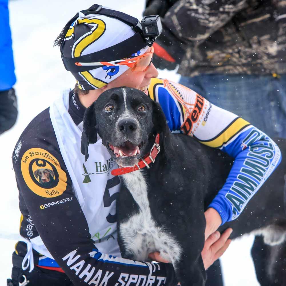 Inno et Michael arrivée Championnat du monde | Vita DogTeam | Vita Nutrition Animale - www.vitanutrition.ca © Marie Parent